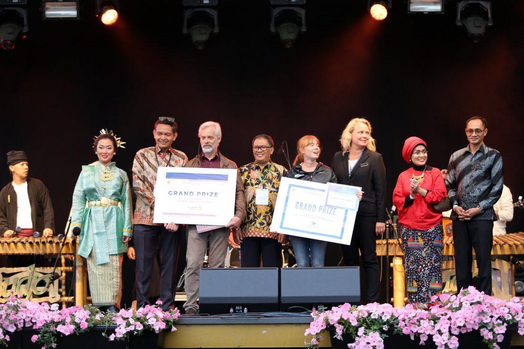 Pemenang hadiah utama. Foto KBRI Stockholm/Ignasius Hari