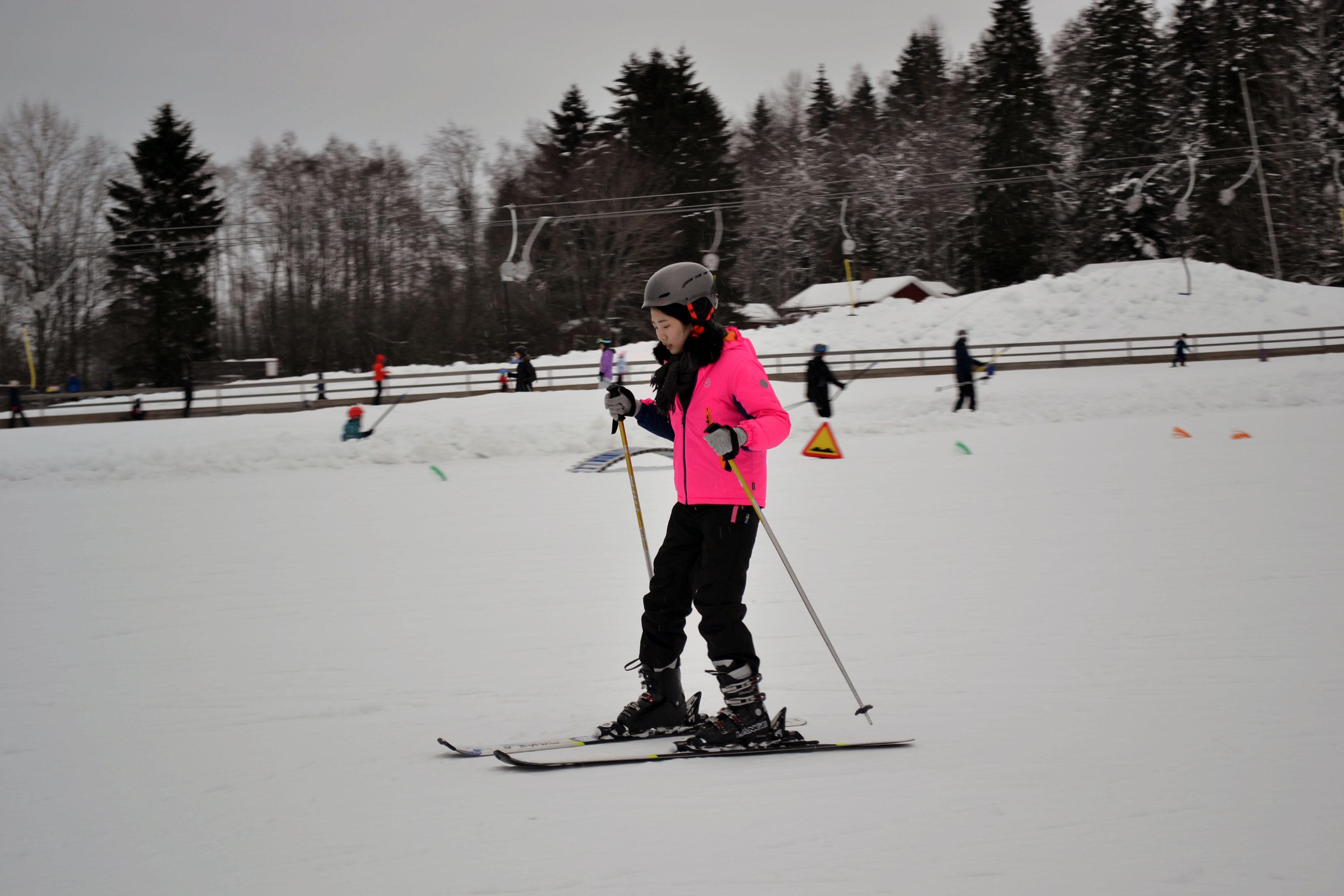 Bermain ski di Swedia
