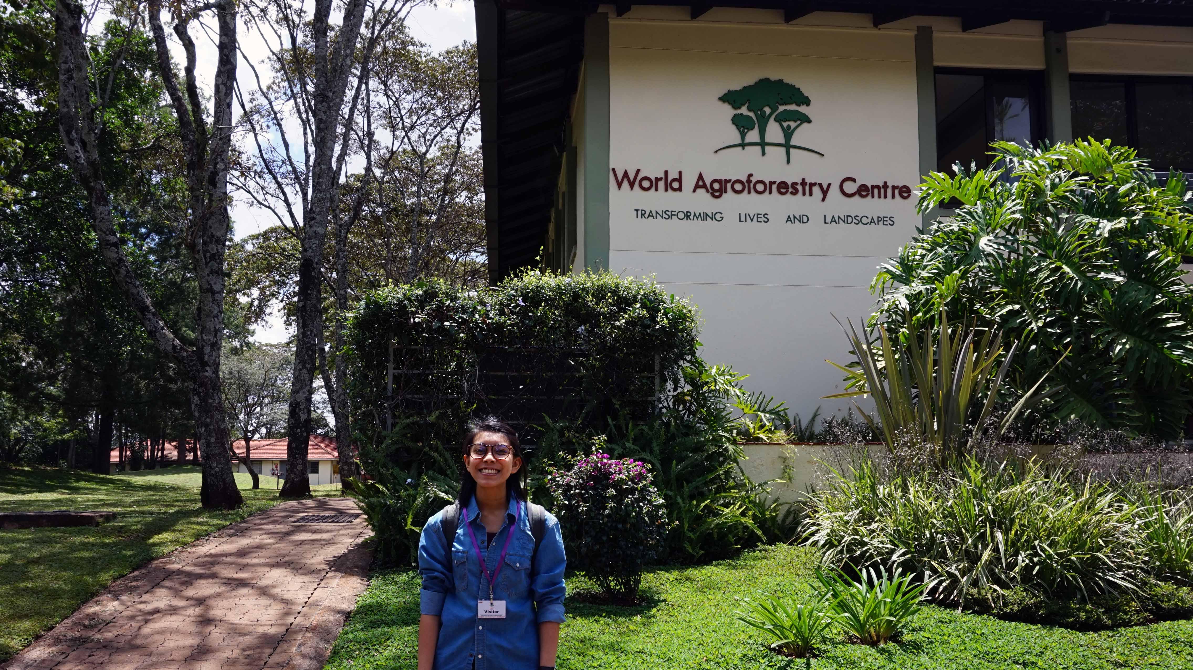 Sania mengerjakan tesis di ICRAF Kenya
